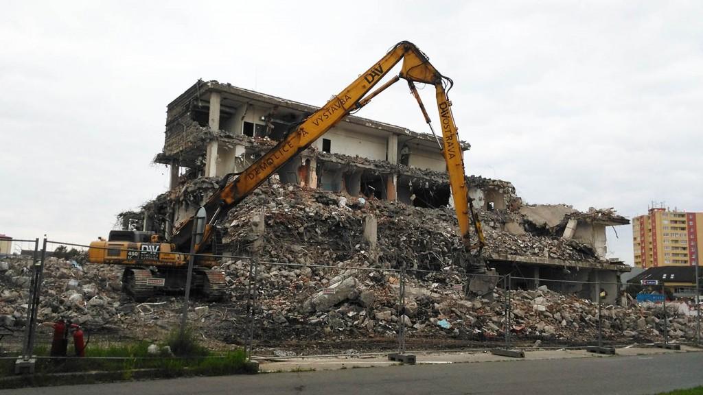 demolice a vystavba prerovsky prior